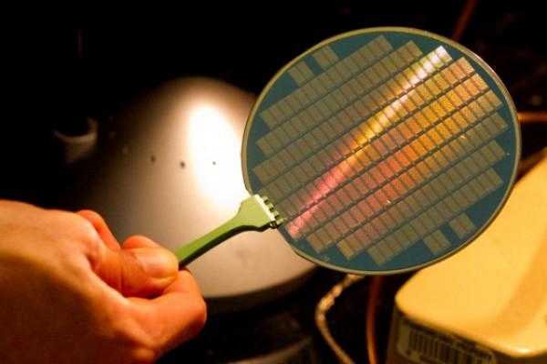 This wafer contains tiny computers using carbon nanotubes.