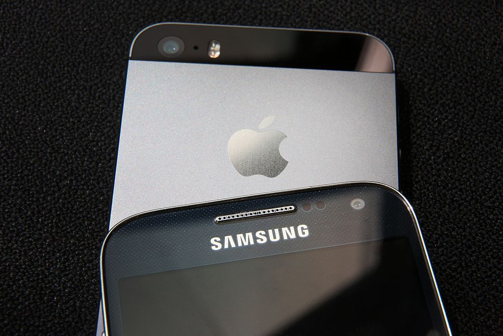 U.S. Court Of Appeals Officially Reopened Apple vs Samsung iPhone Design Lawsuit [VIDEO]