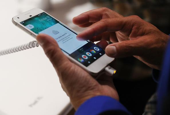 HTC U Ultra Vs. Google Pixel XL Specs, Features & Price Showdown