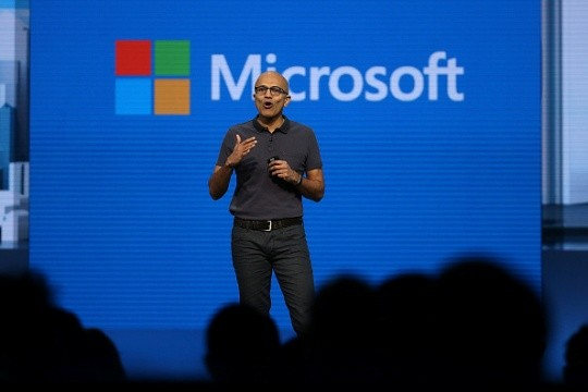Microsoft sues U.S. over secret demands