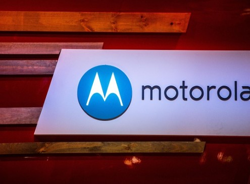 Moto X4 Droid Version Leaked Photos Showing Odd Camera Bumps Surfaces Online!