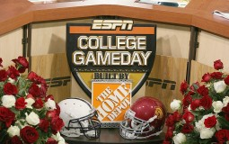 ESPN and ABC start the College Football Playoff opening week with DICK's Sporting Goods Kickoff Week by releasing its early Top 25 hot picks and the airtime schedules of opening match brackets.