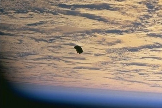 The UFO sighting footage has emerged showing up a UFO seemingly hovering over a US military base last Wednesday
