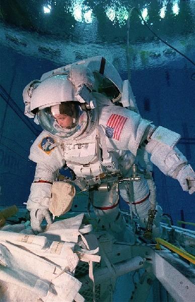 ground control astronaut - photo #36