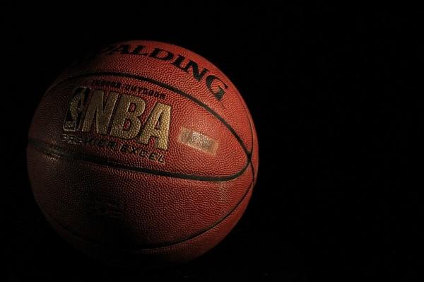 Team USA's Carmelo Anthony passes Michael Jordan for career points
