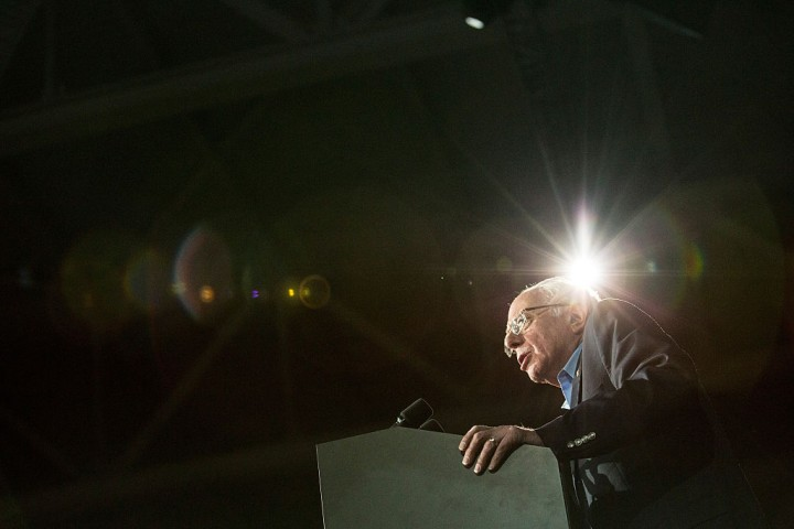 http://images.universityherald.com/data/thumbs/full/23150/720/0/0/0/bernie-sanders-at-the-university-of-new-hampshire.jpg