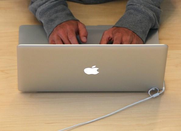 MacBook vs. MacBook Pro for a College Student?