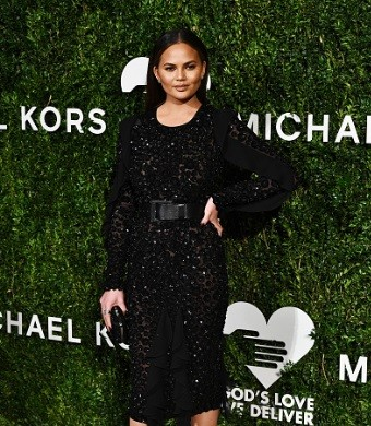 Chrissy Teigen attends the God's Love We Deliver Golden Heart Awards on October 17, 201