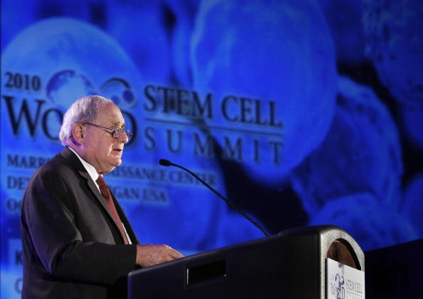 Washington STEM Grants Apple $100,000 Grant for STEM Partnership