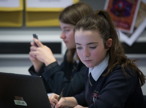 Conquering Digital Distraction Among Students To Promote Effective Learning