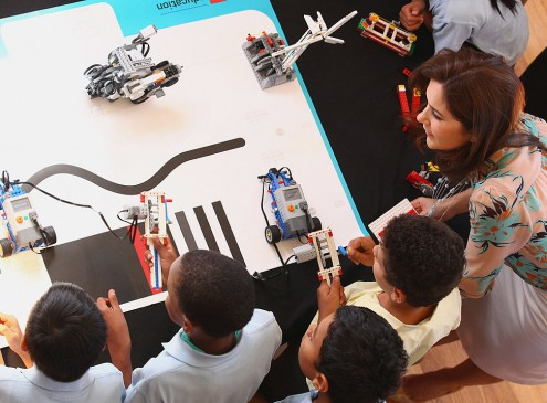 NASA Education Specialist Goes To WVUP For Lego Competition