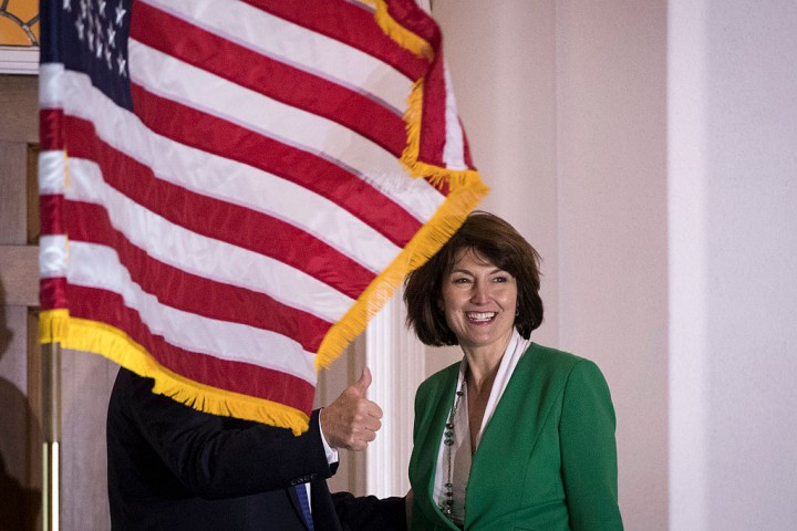 Zinke offered job as Trump's interior secretary