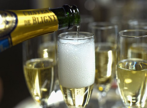 Why Champagne with Bigger Bubbles Tastes Better