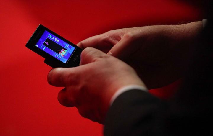 Tetris game on mobile phone