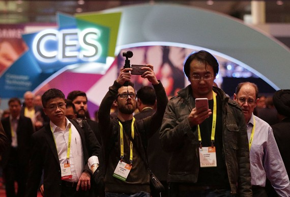 Razer's Project Ariana Was Impressive At CES 2017, Gaming Will Never Be The Same Again With Project Ariana