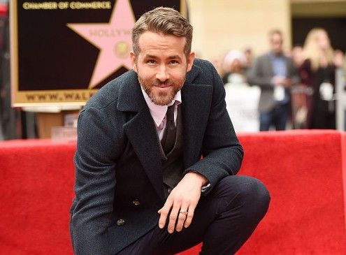 Harvard University Theater Names Ryan Reynolds Hasty Pudding 2017 Man Of The Year