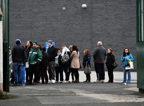 Free Tuition For Ontario Students, Many Line Up In Freezing Temperature For Grant Info