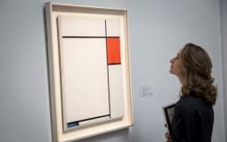Netizens say Claudia Vulliany's art looks like Piet Mondrian's.