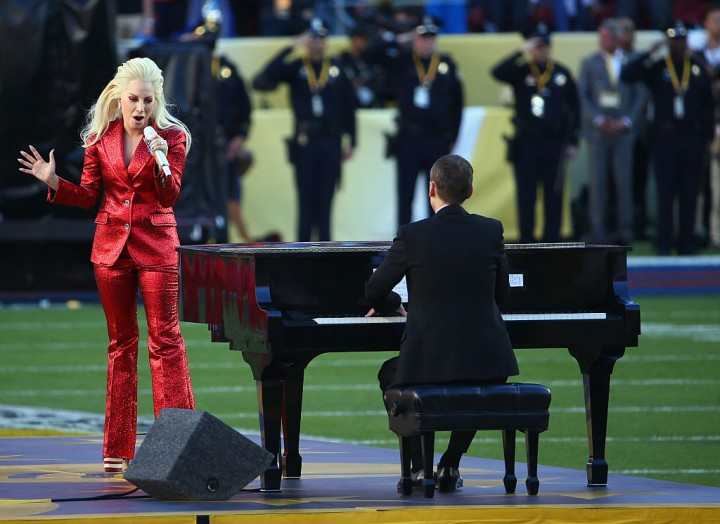 Lady Gaga ups anticipation of Super Bowl on social media