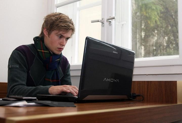 Student taking an online class.