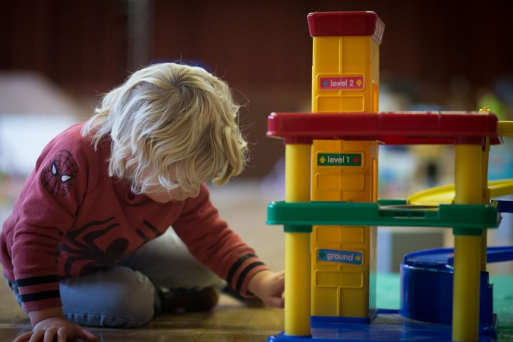 Stanford researchers find benefit in delaying kindergarten for kids