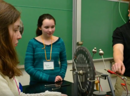 STEM In Washington University: Making 500 Girls Learn More Through An Event
