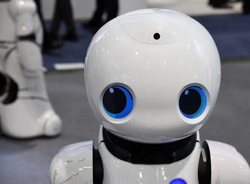 The Modern Workplace: Robots May Takeover As Managers Soon