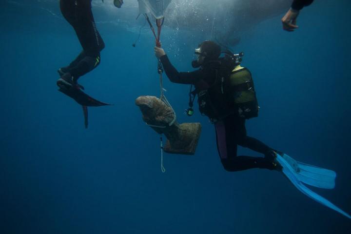 Deep-sea animals can produce their own light