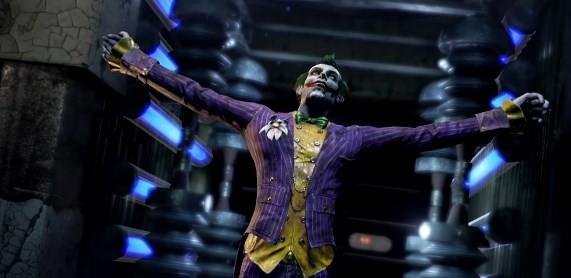 A few spoilers suggest that Owlman is an alternate Batman from Multiverse who murders the Court's members