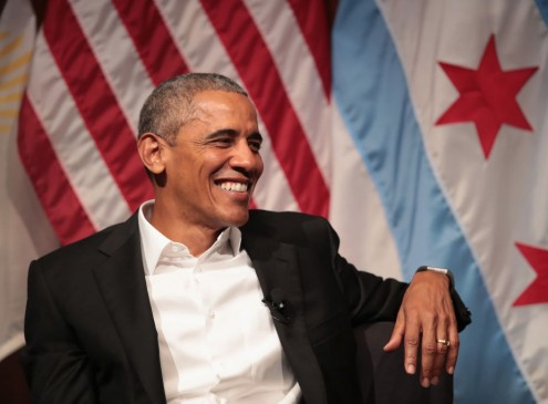 Barack Obama Inspires The Youth at University of Chicago [Video]