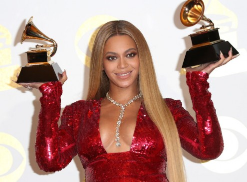 Beyonce Announces Scholarship Offer For Female College Students [Video]