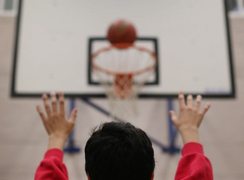 Physics Proof: Granny Style Free Throw Yields More Points than Overhead Shooting [Video]