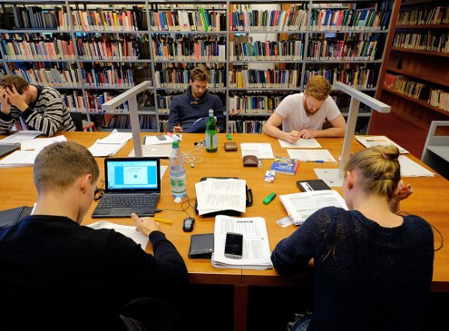 College Students Can Enjoy Free Stuff Using Library Cards, Here's How [VIDEO]
