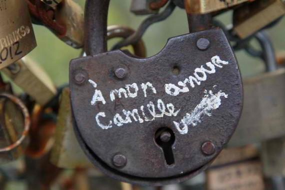 Stealing Passwords Using Brain Waves