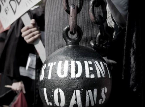 Student Debts: The 4 Debt Traps Students Should Avoid In Making A College Loan [VIDEO]