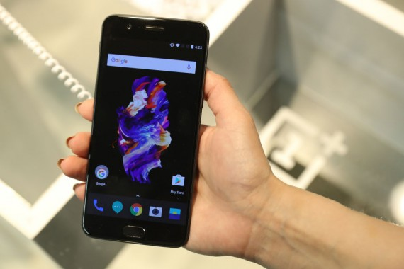 OnePlus 5 smartphone in India ready to sell from Amazon India