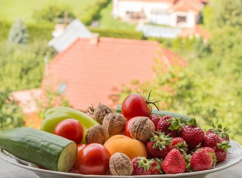 Eating Larger Quantities Of Fruits and Veggies Reduces Death Risk at Any Age, Study
